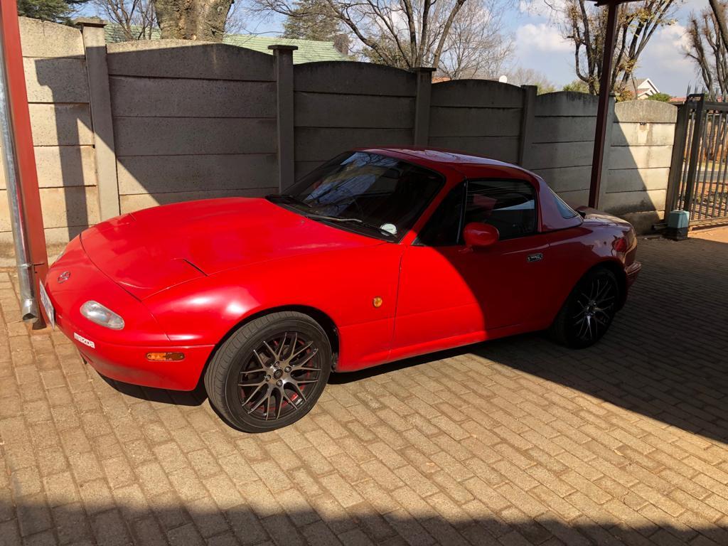 1990 Mazda MX-5 1.8i hard top