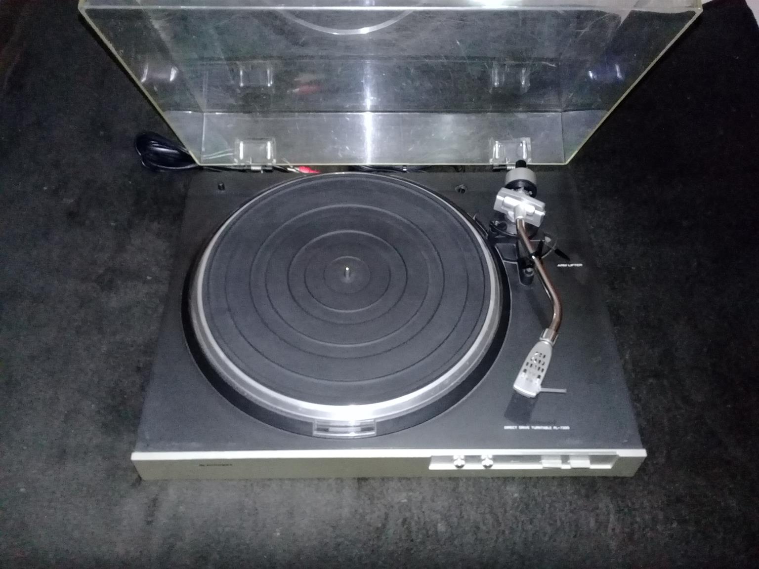 BLAUPUNKT PL7300 RECORD PLAYER