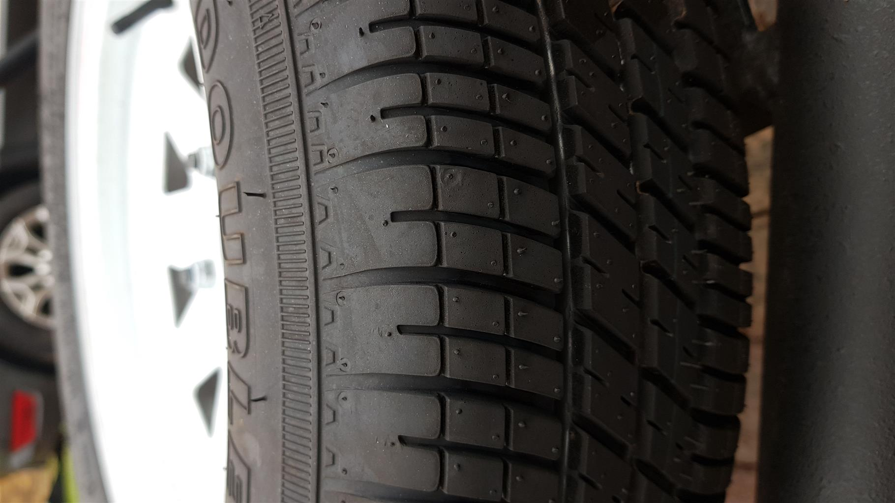 Hubs and Wheels Tyres