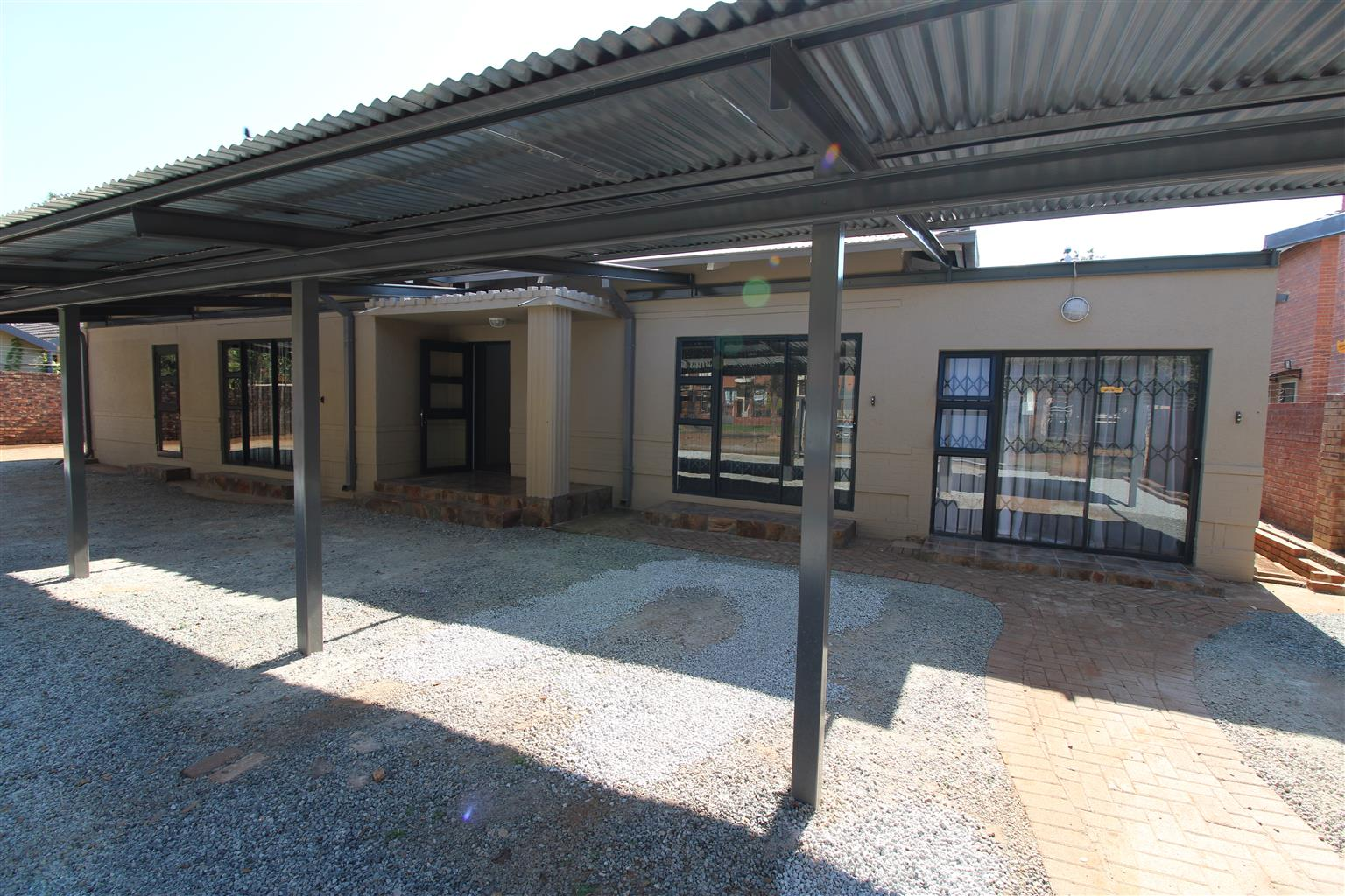 9 Bedroom, 7 Bathroom, 7 Kitchen Student House for Sale in The Bult area close to NWU, Potchefstroom