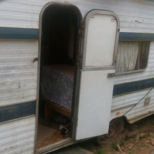 Caravan to let as room only R1200pm