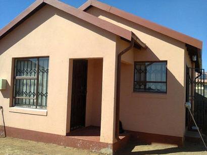BraamfischerVille 3bedroomed house to rent for R3500