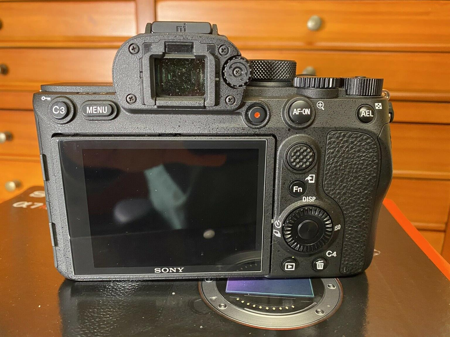Sony Alpha A7R iv body only Kit with 4000 shutter counts