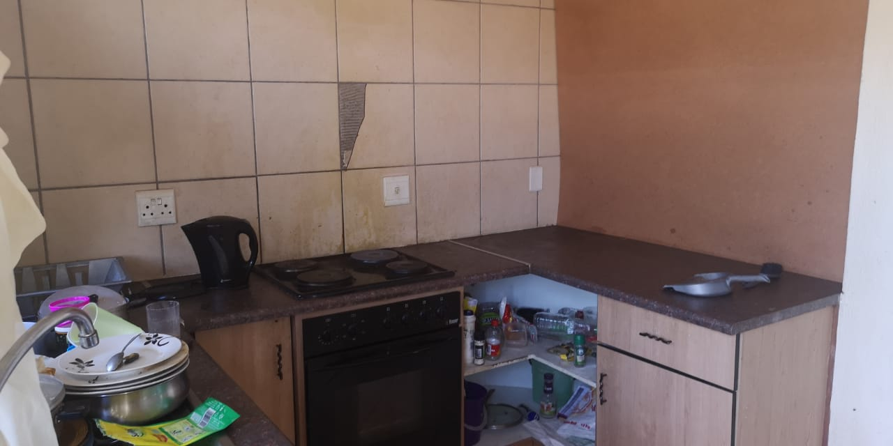 Excellent investment. 2 Bedroom unit in Philip Nel Park walking distance from TUT.