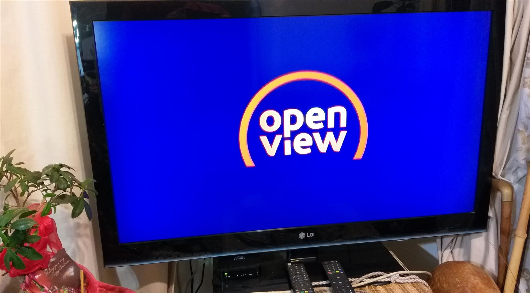 Full HD TV - LG incl. Remote - Excellent condition