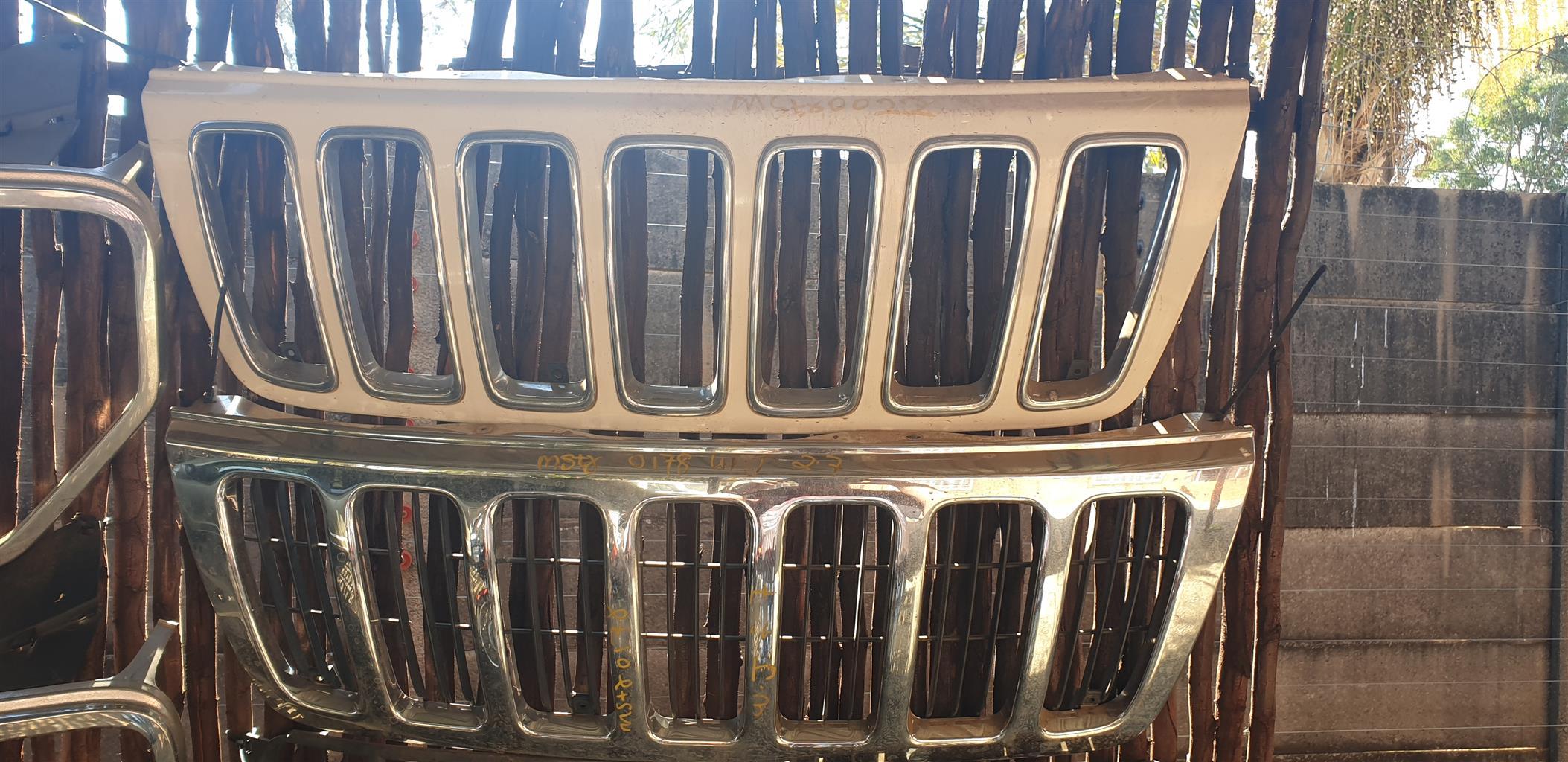 Jeep Grand Cherokee WJ Grilles