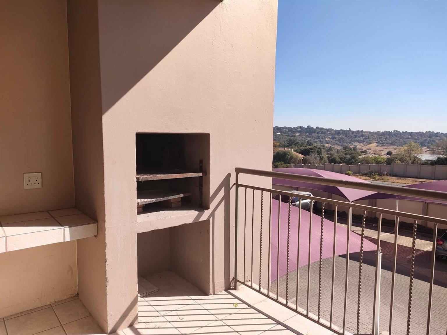 Apartment For Sale in Sundowner