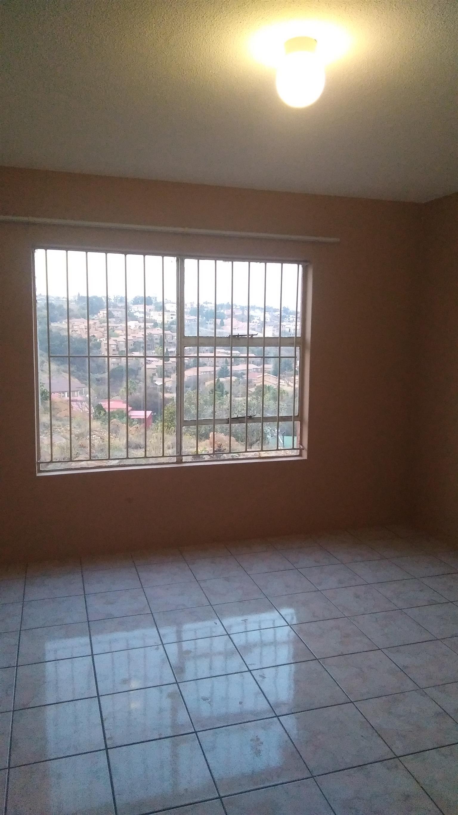 Ridgeway 2 bedroom flat for rent R5500pm