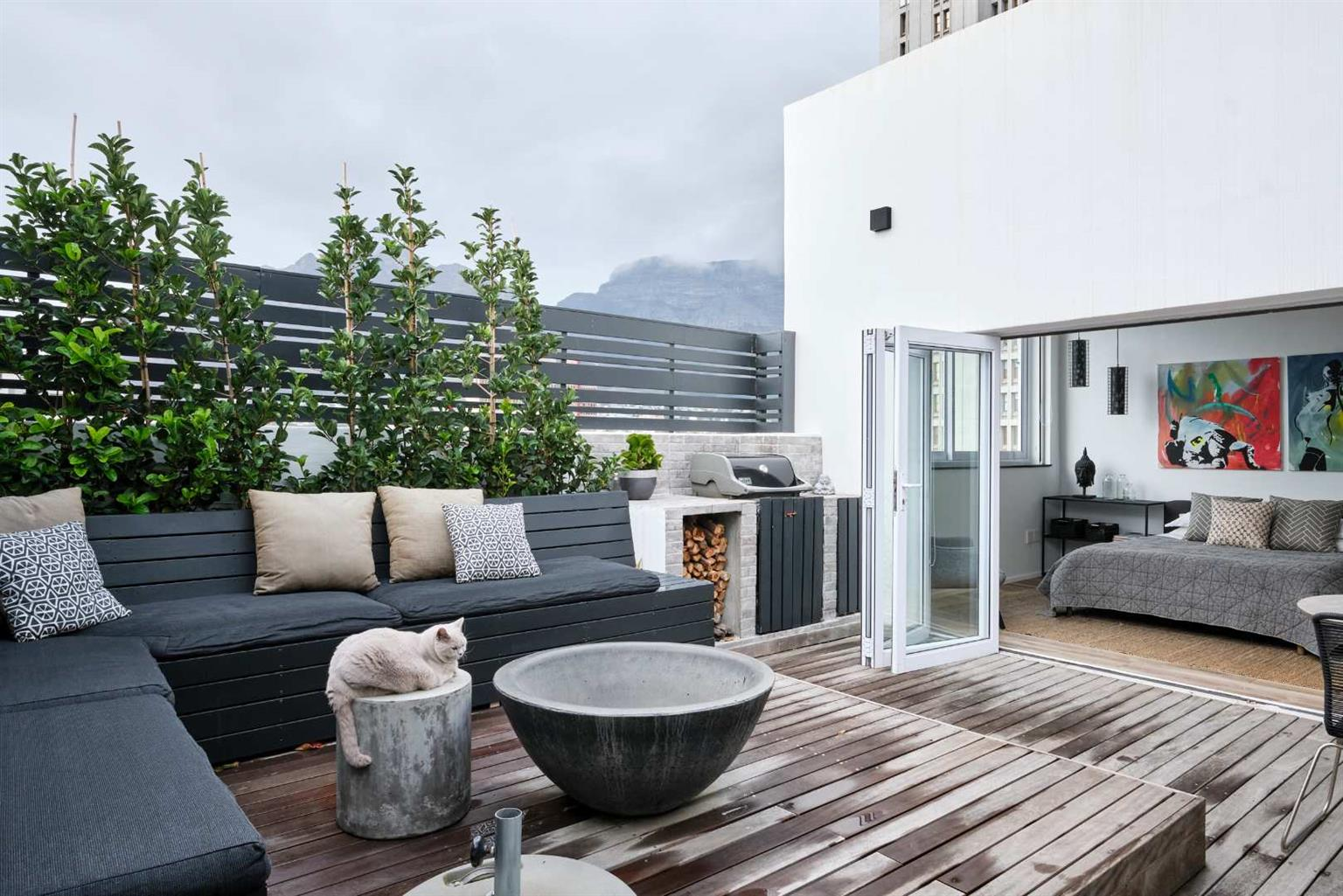 Penthouse For Sale in Gardens