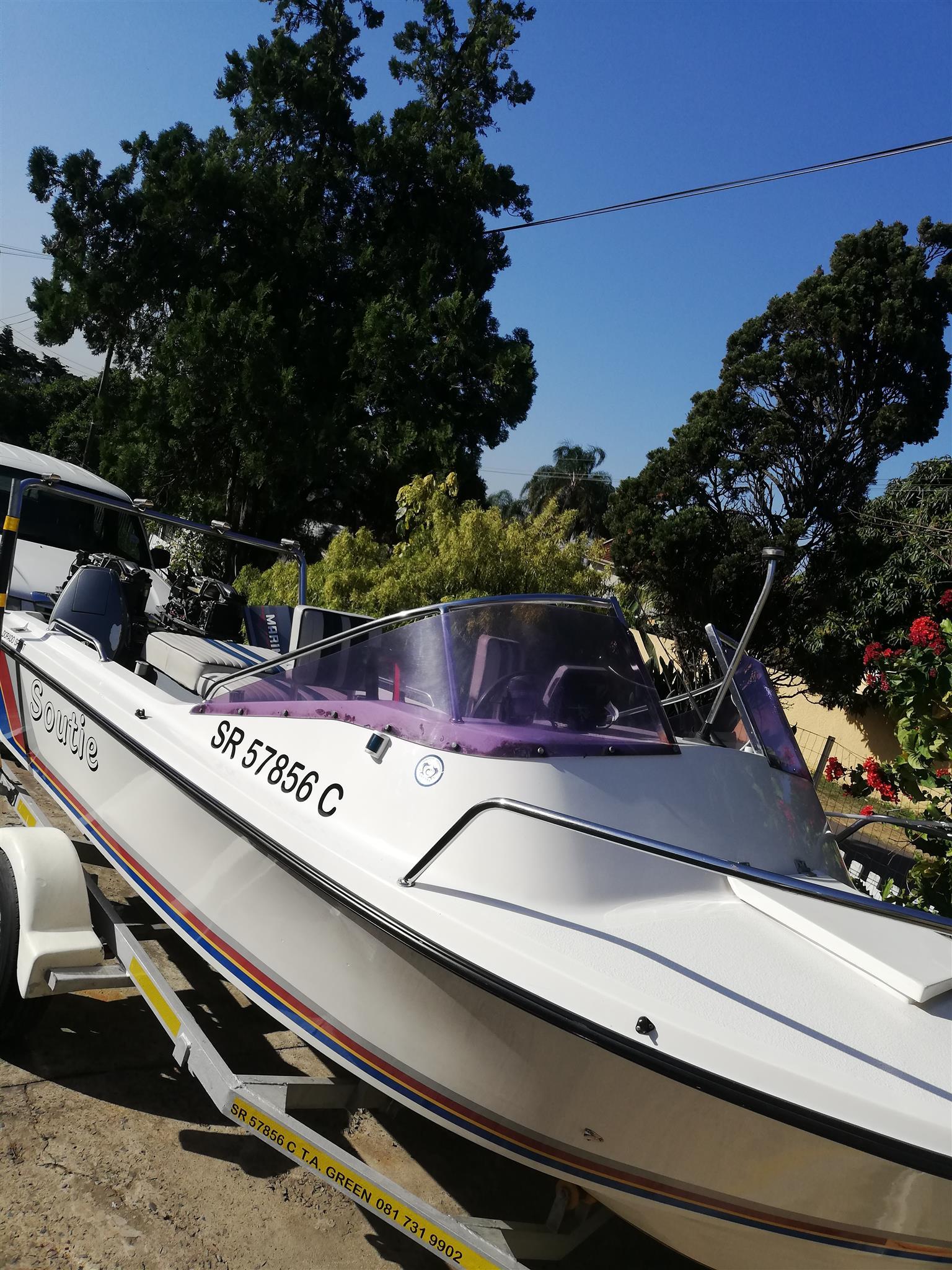Dorado sprint boat with 2 x 40hp mariner