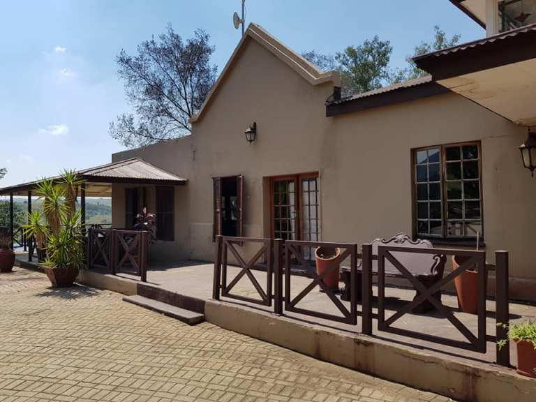 900 square meters property perfect for office use / training facility etc.