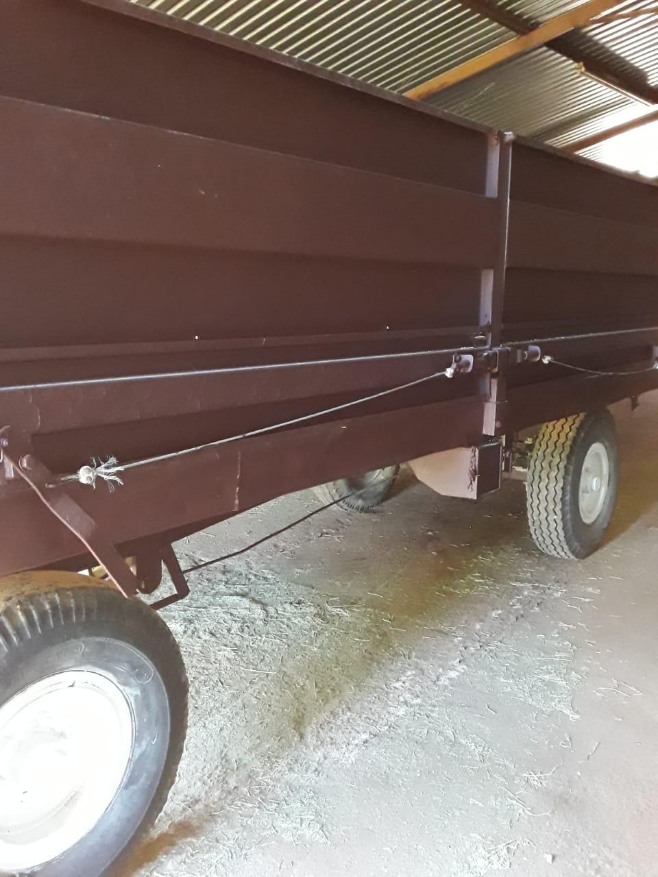 2 x 10 tons bulk trailors for sale