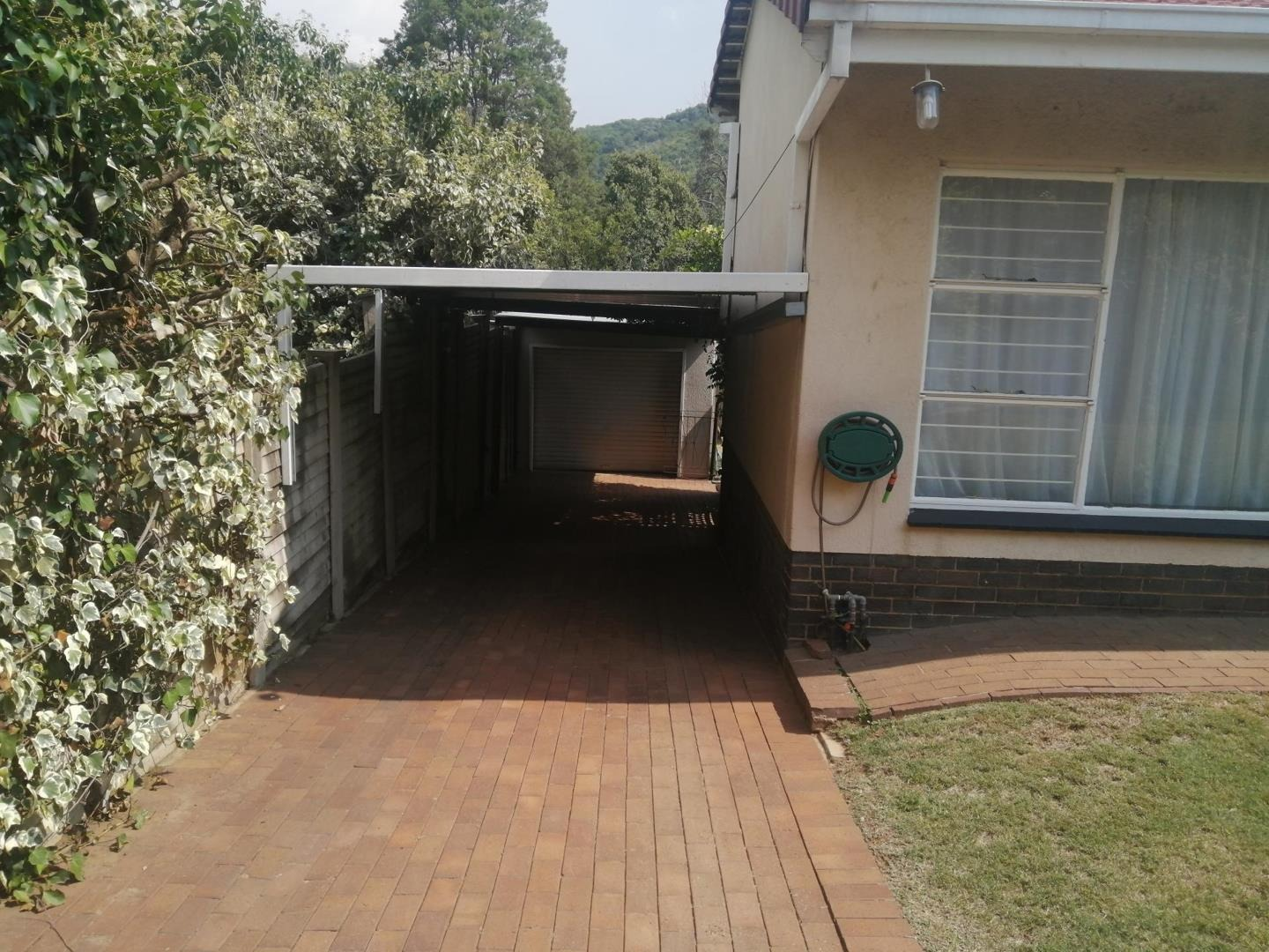 House For Sale in Mondeor
