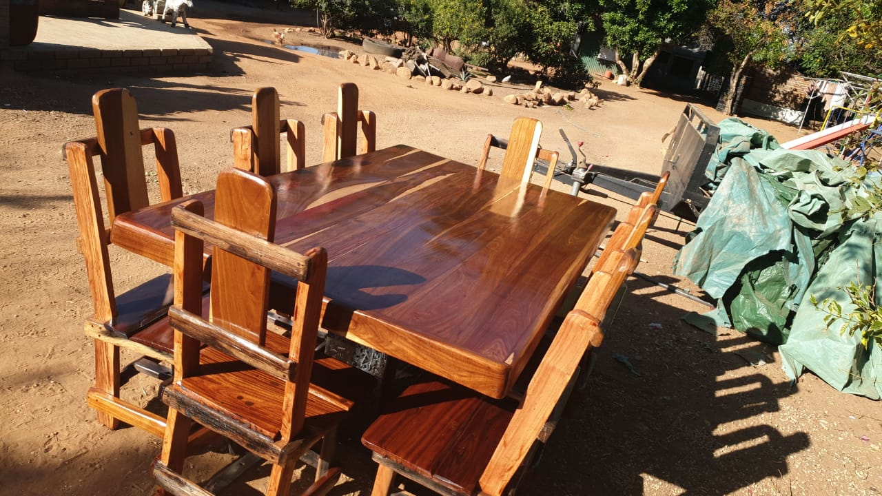 8 seater diningroom suite