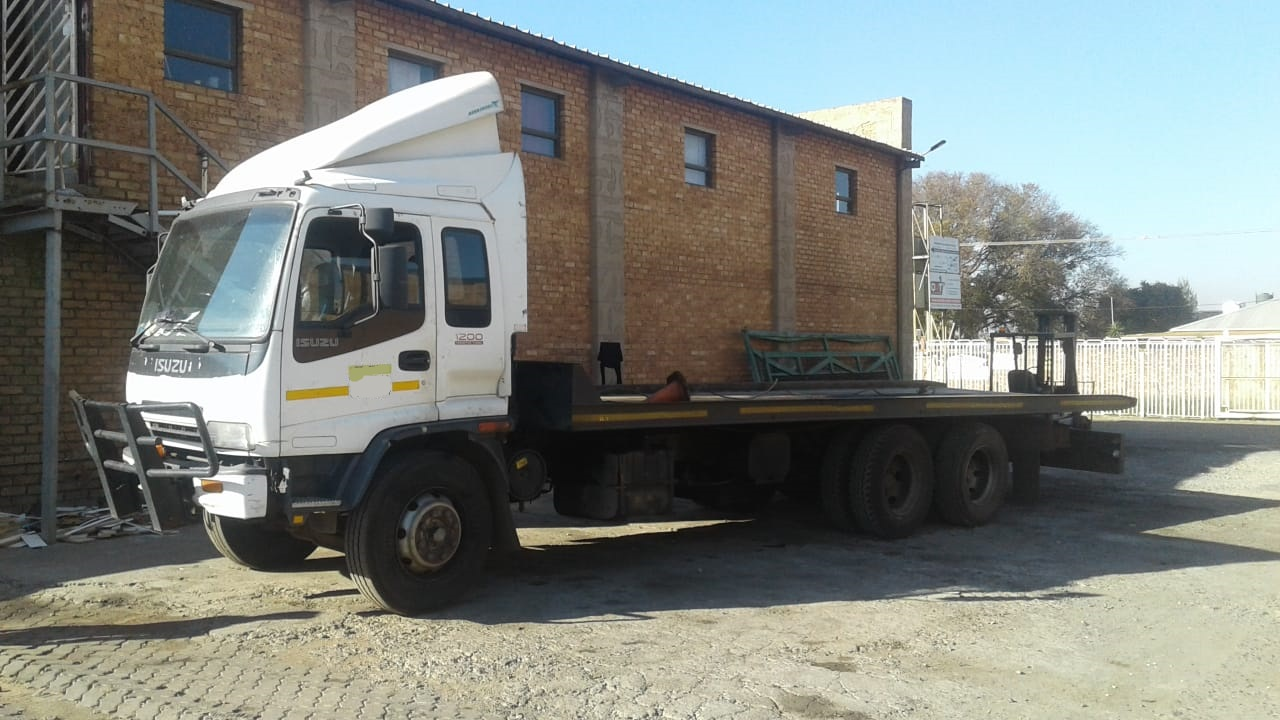 12 ton rollback available for transport