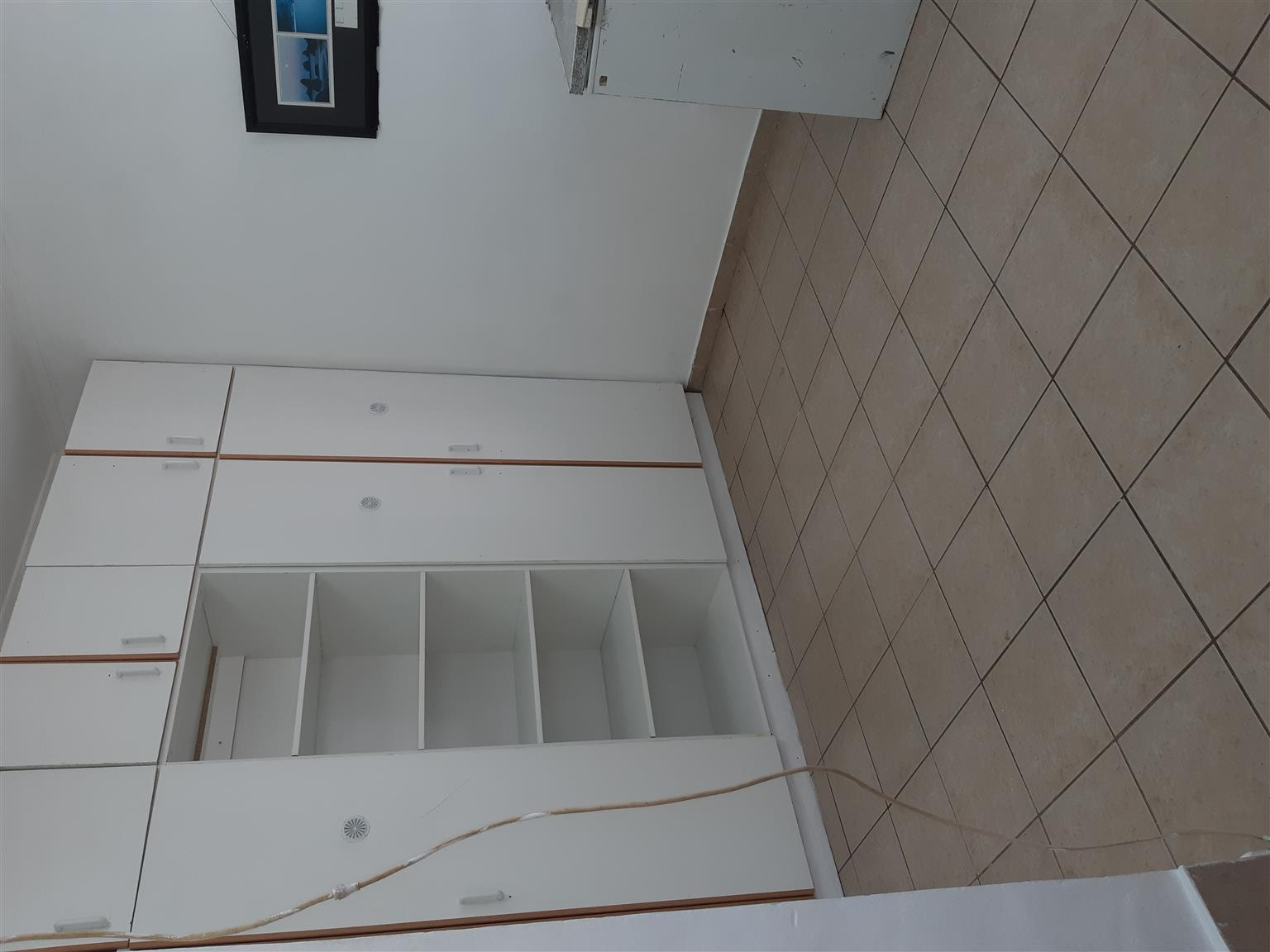 Large Outside Room for Rent