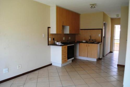 Oakdene 1bedroomed townhouse to rent for R4000