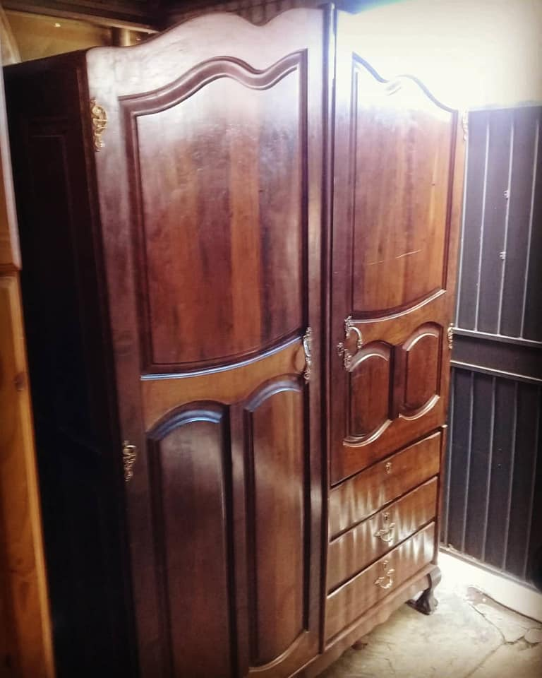 Antique Furniture Supplies Mail: Imbuia Wardrobe ( In Mint Condition )