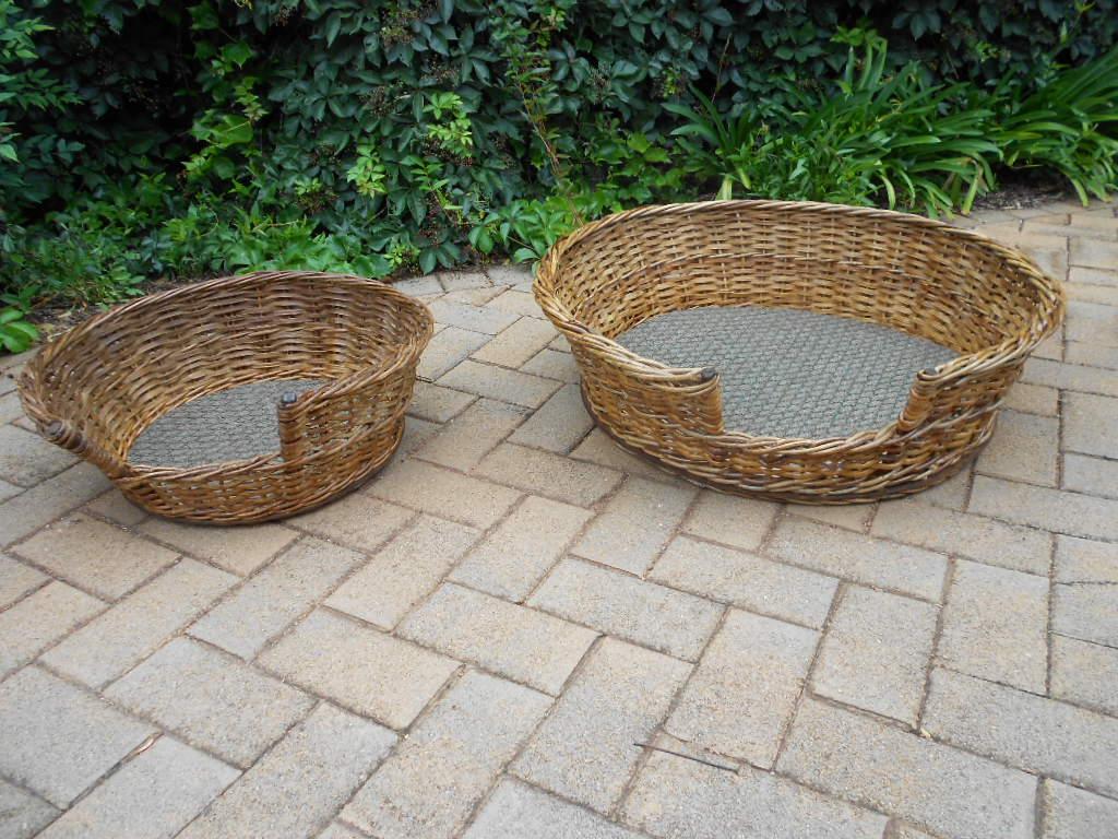 Cane dog sleeping basket (x2)