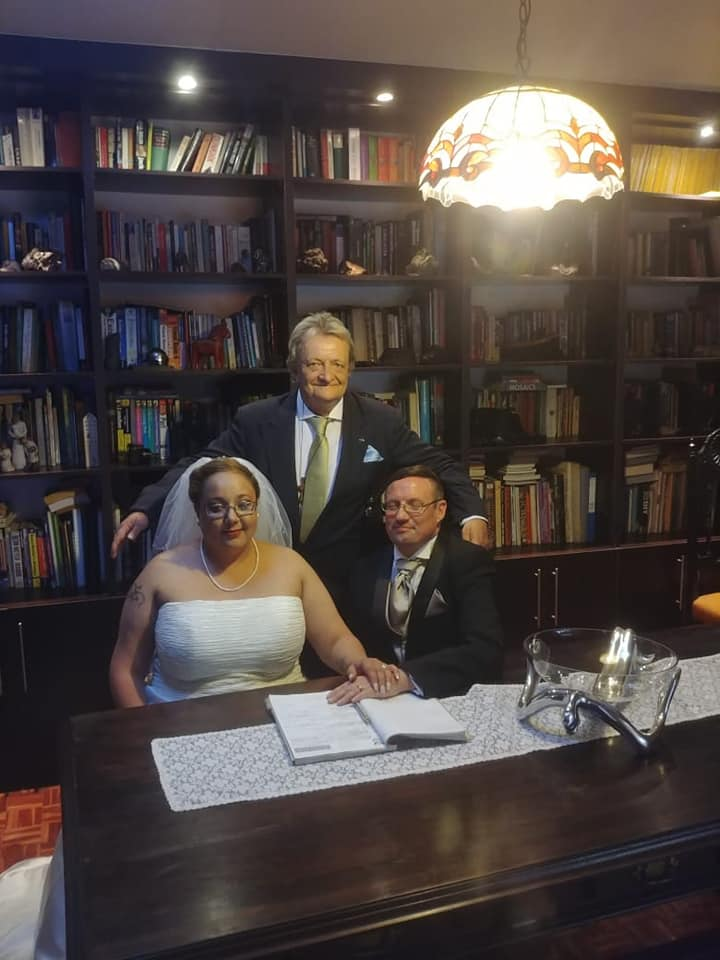 Are YOU GETTING MARRIED AND NEED A QUALIFIED AND EXPERIENCED PASTOR-LOOK NO FURTHER....