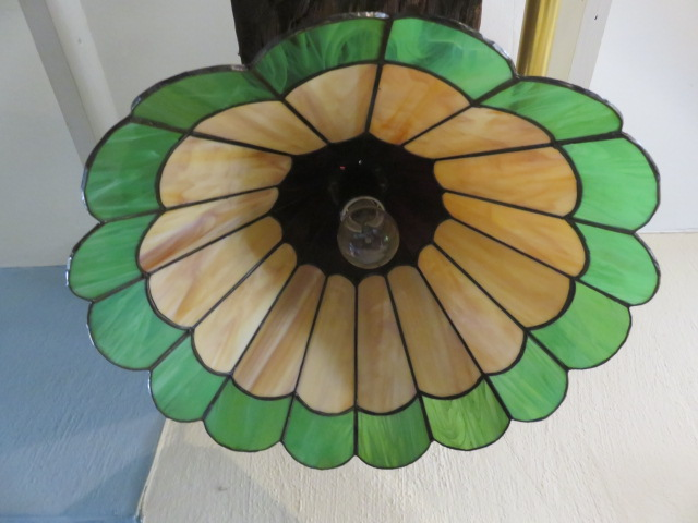 Stained glass hanging lamp - Tiffany style
