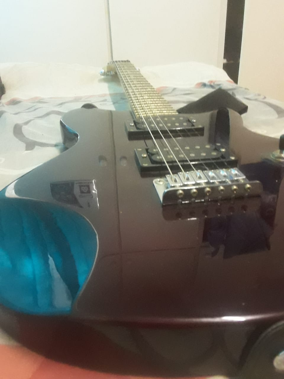 Buckley Guitar with set