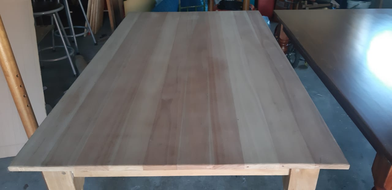 Saligna Tabels & Plywood for sale
