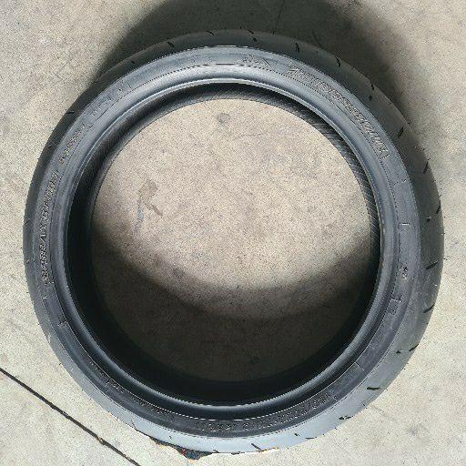 Bridgestone battlax bt003 120/70 R17 motorbike front tyre