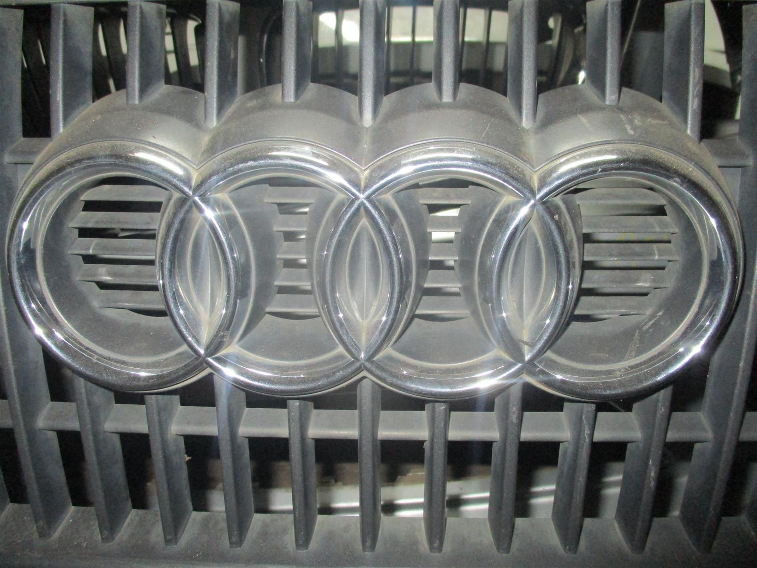 AUDI GRILL FOR SALE !!
