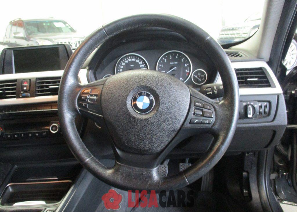 2013 BMW 3 Series 320i Luxury
