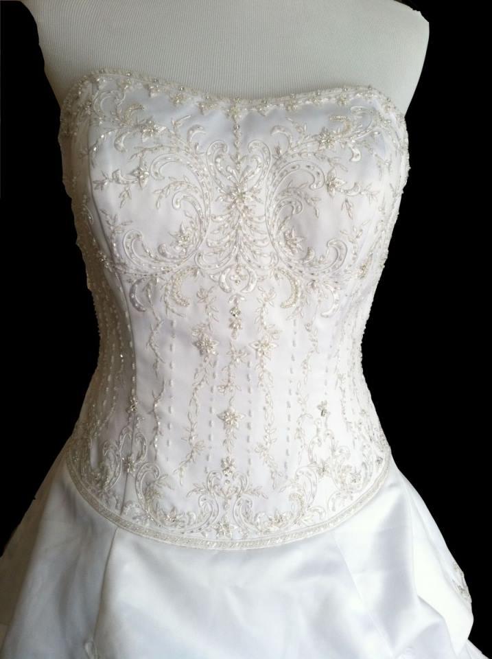 Wedding Dress - Oleg Cassini -R6500