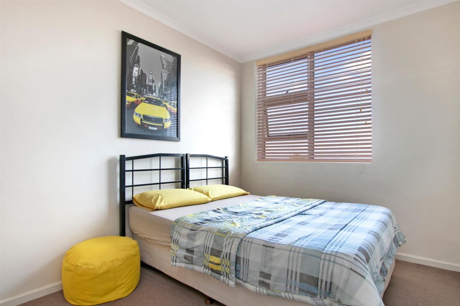 Apartment For Sale in Wynberg