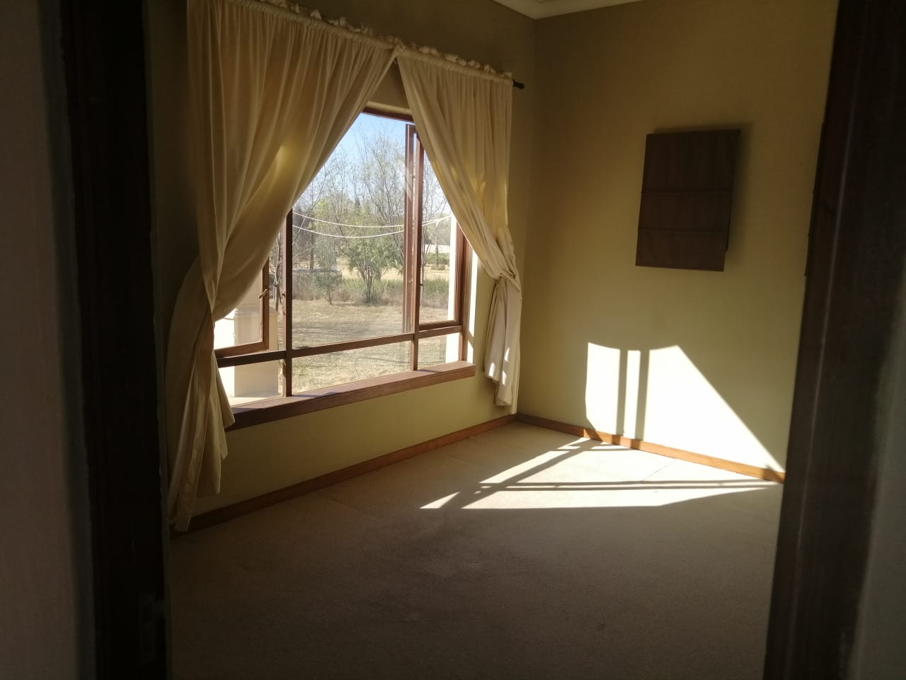 Bachelor flat in Estate