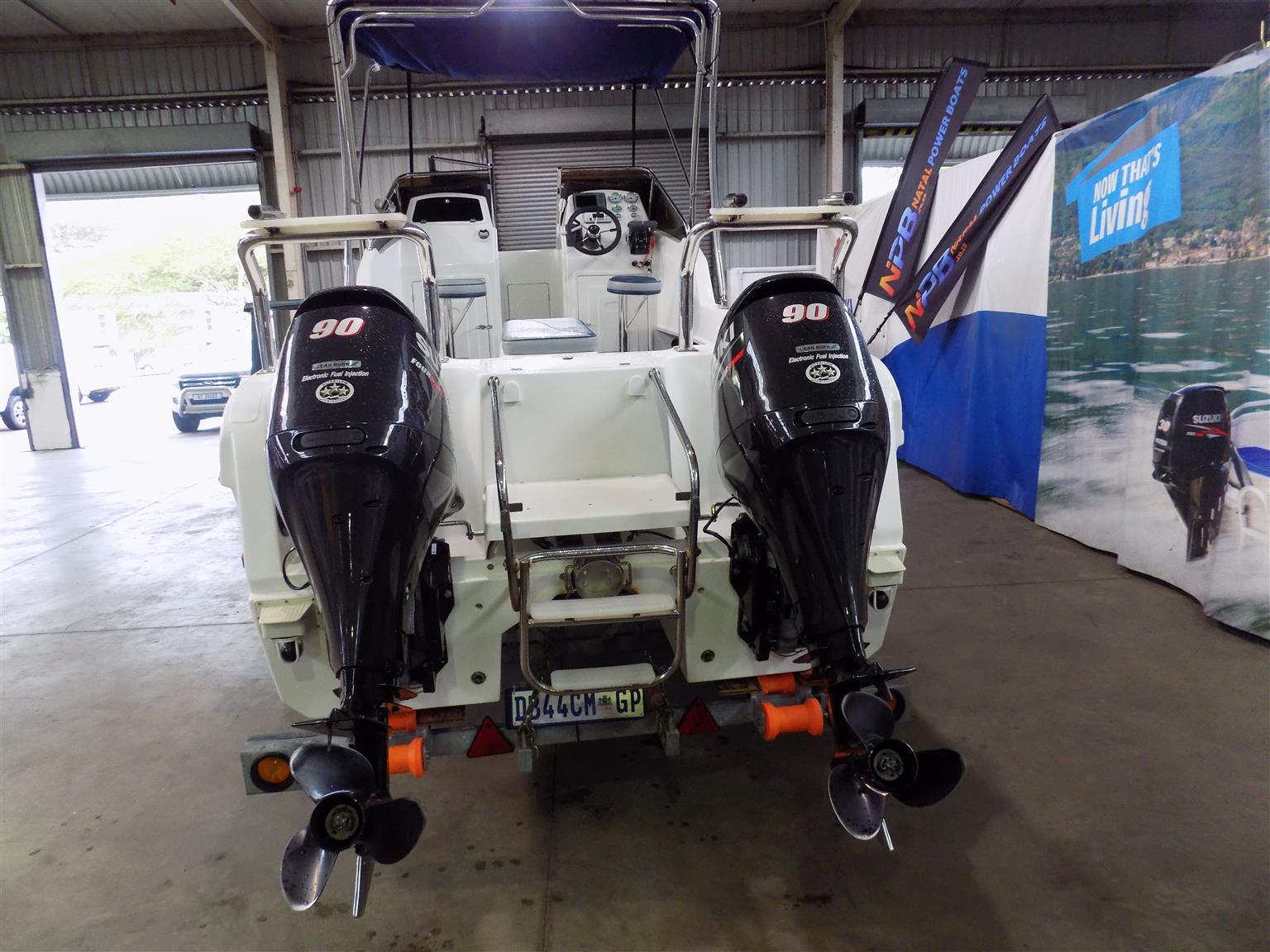 cobra cat 525 on trailer 2 x 90 hp suzuki 4 strokes