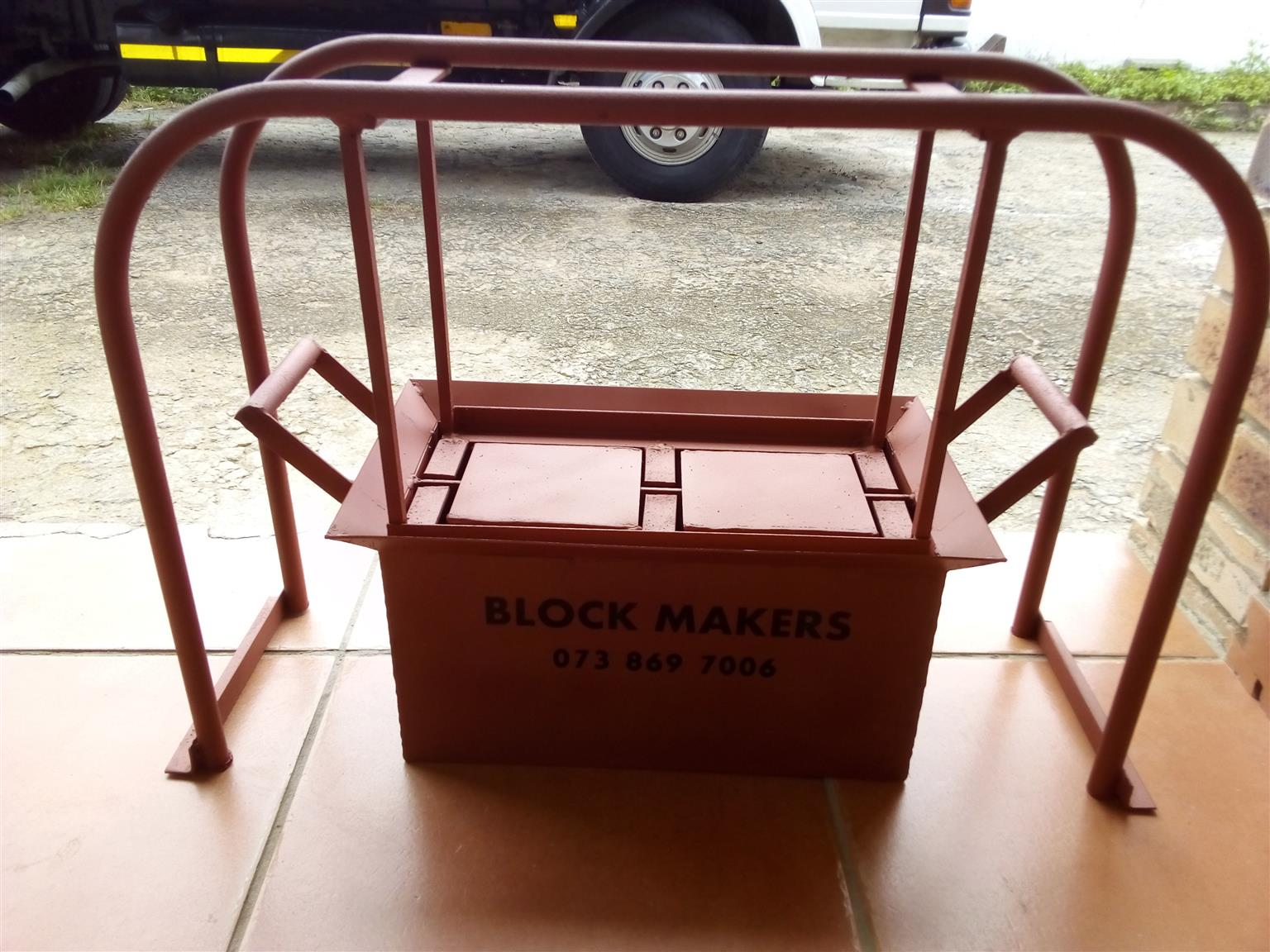 BUILD AN EMPIRE - BLOCK MAKERS - R3500