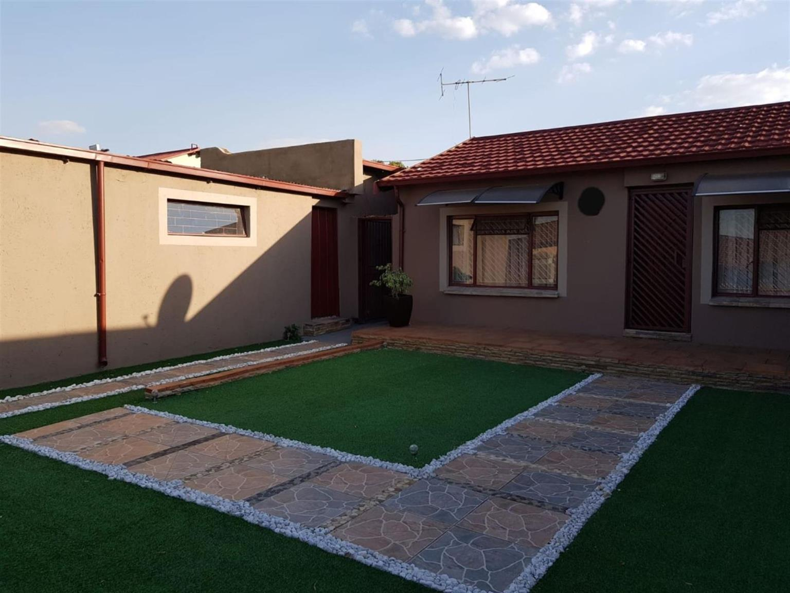 House For Sale in ATTERIDGEVILLE