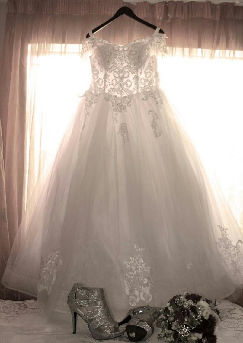 4cfa2b9fc6b Used Wedding Dress