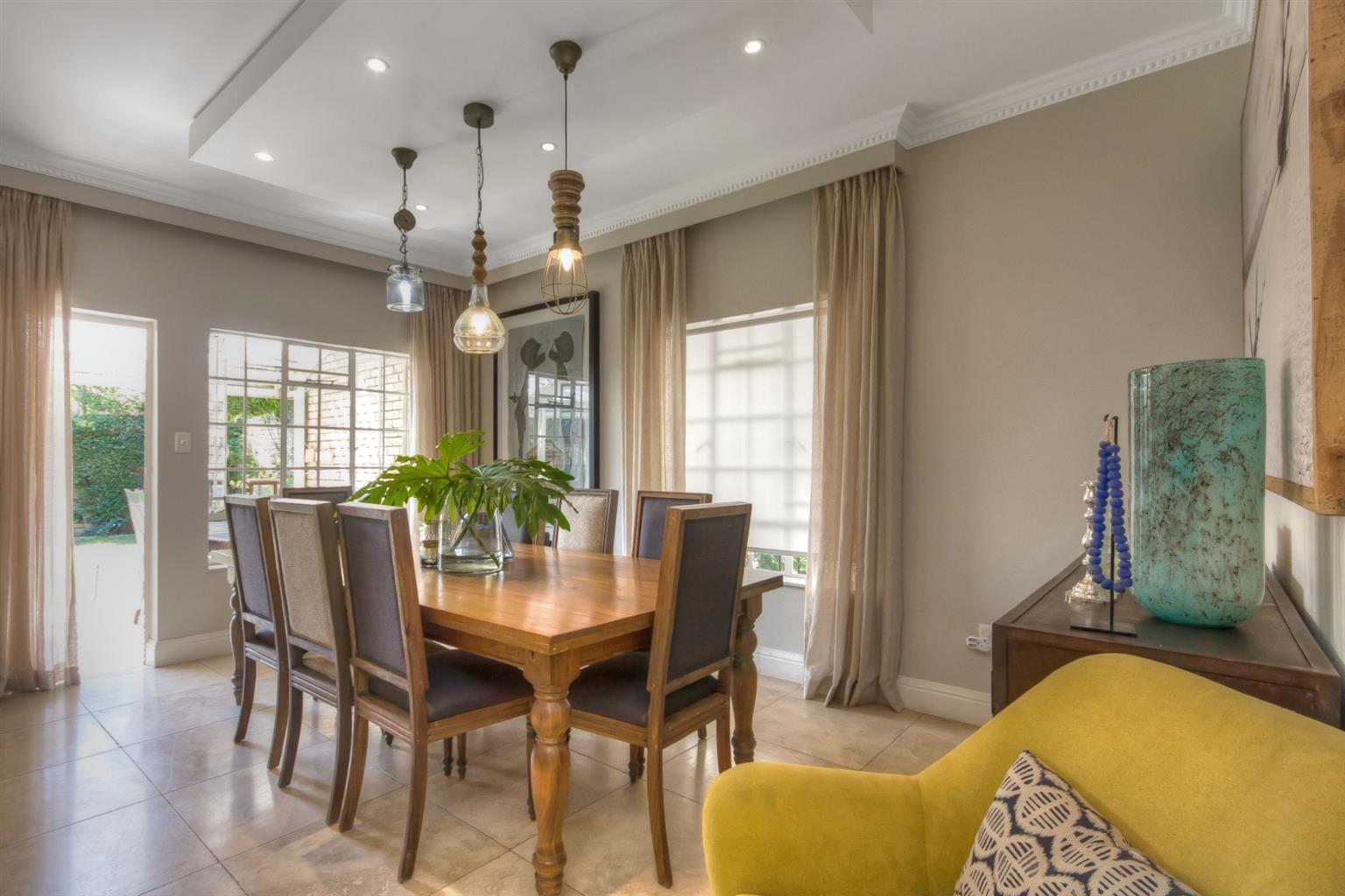 Townhouse For Sale in Hyde Park
