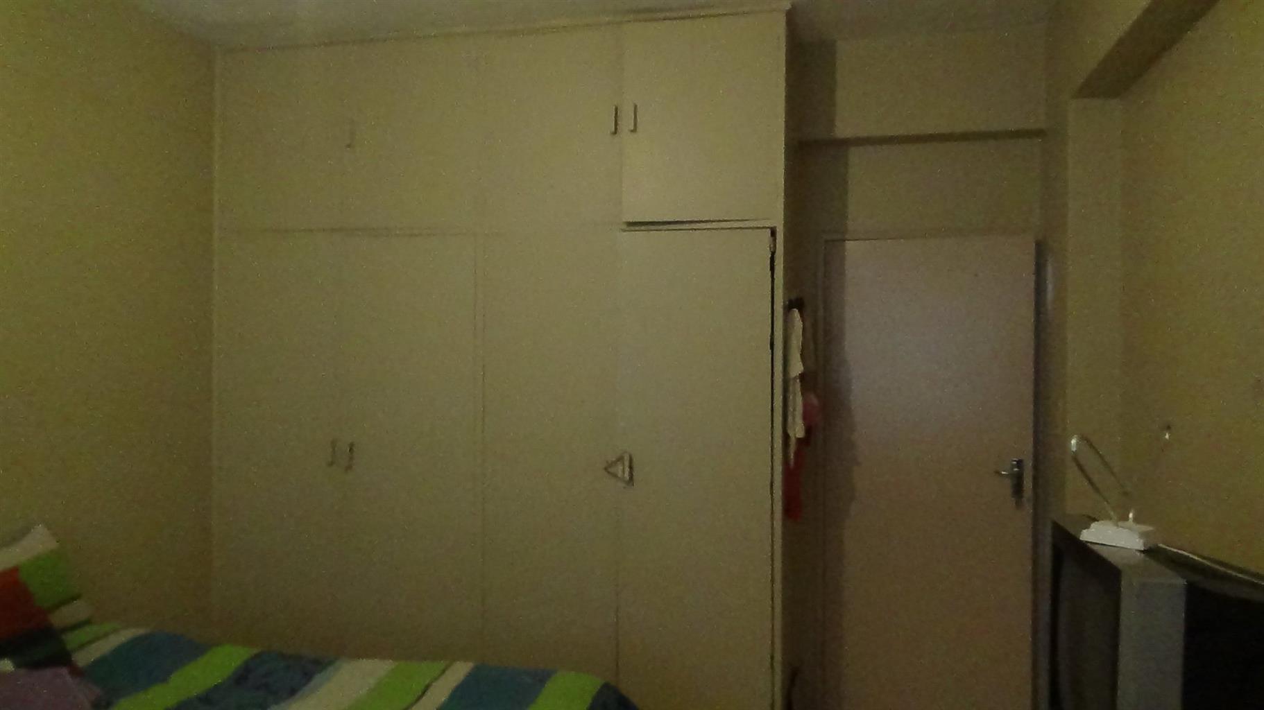 1.5 Bedroom Flat in PTA Central - R 375 000