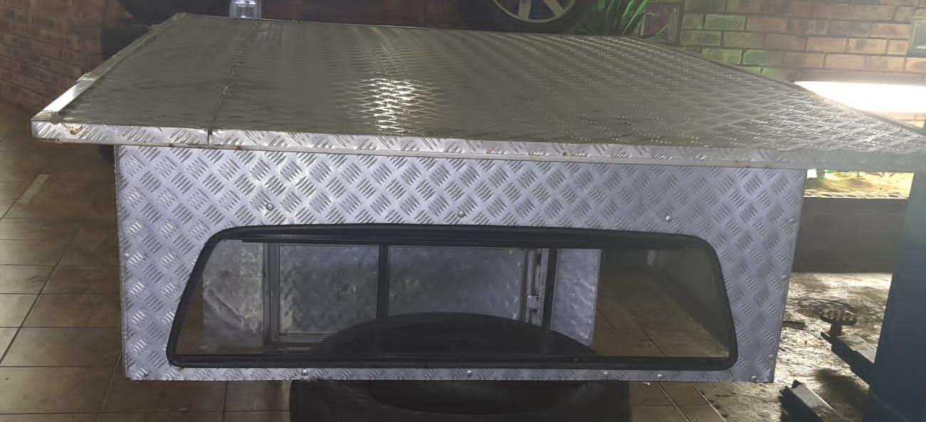 Nissan hardboddy steel canopy