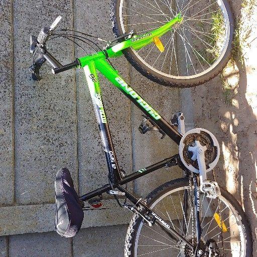 3 mens mountain bikes for sale.