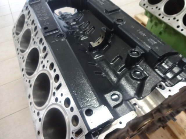 Mercedes Benz engine for sale at a cheap price,call us now