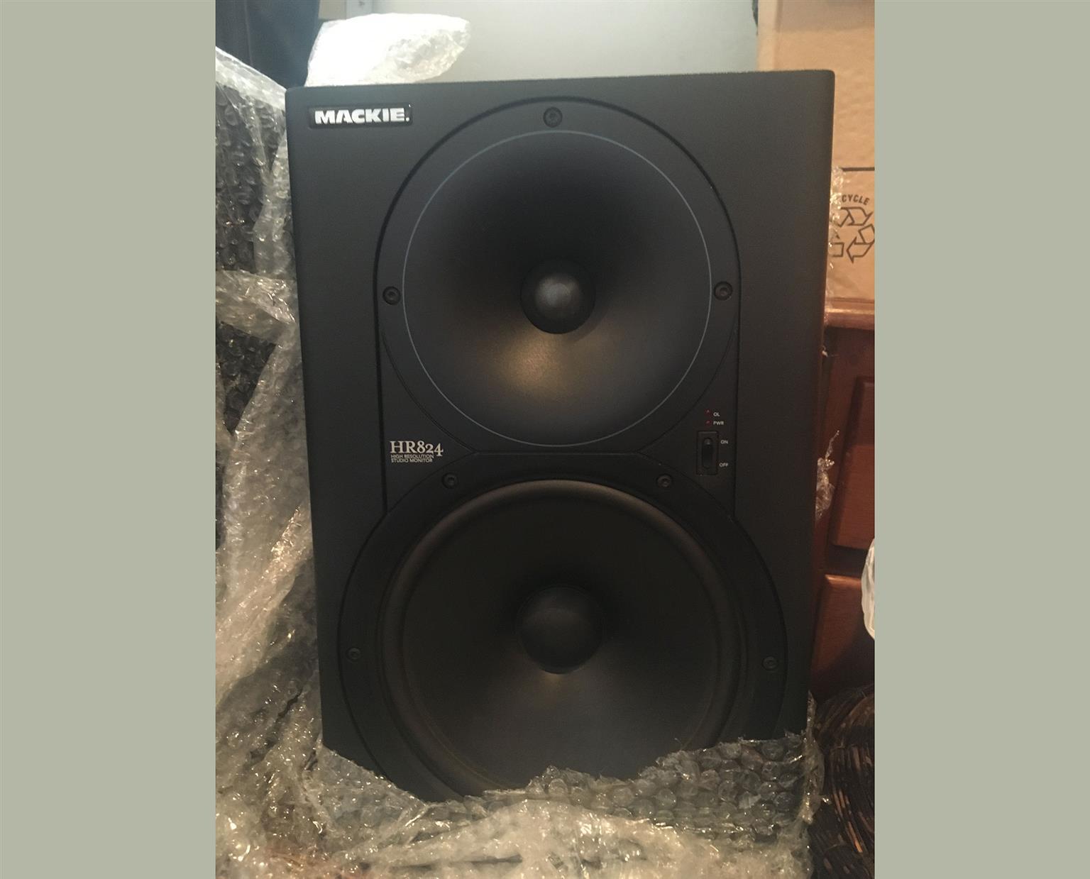 Mackie HR824 mk1 Studio Monitor Pair