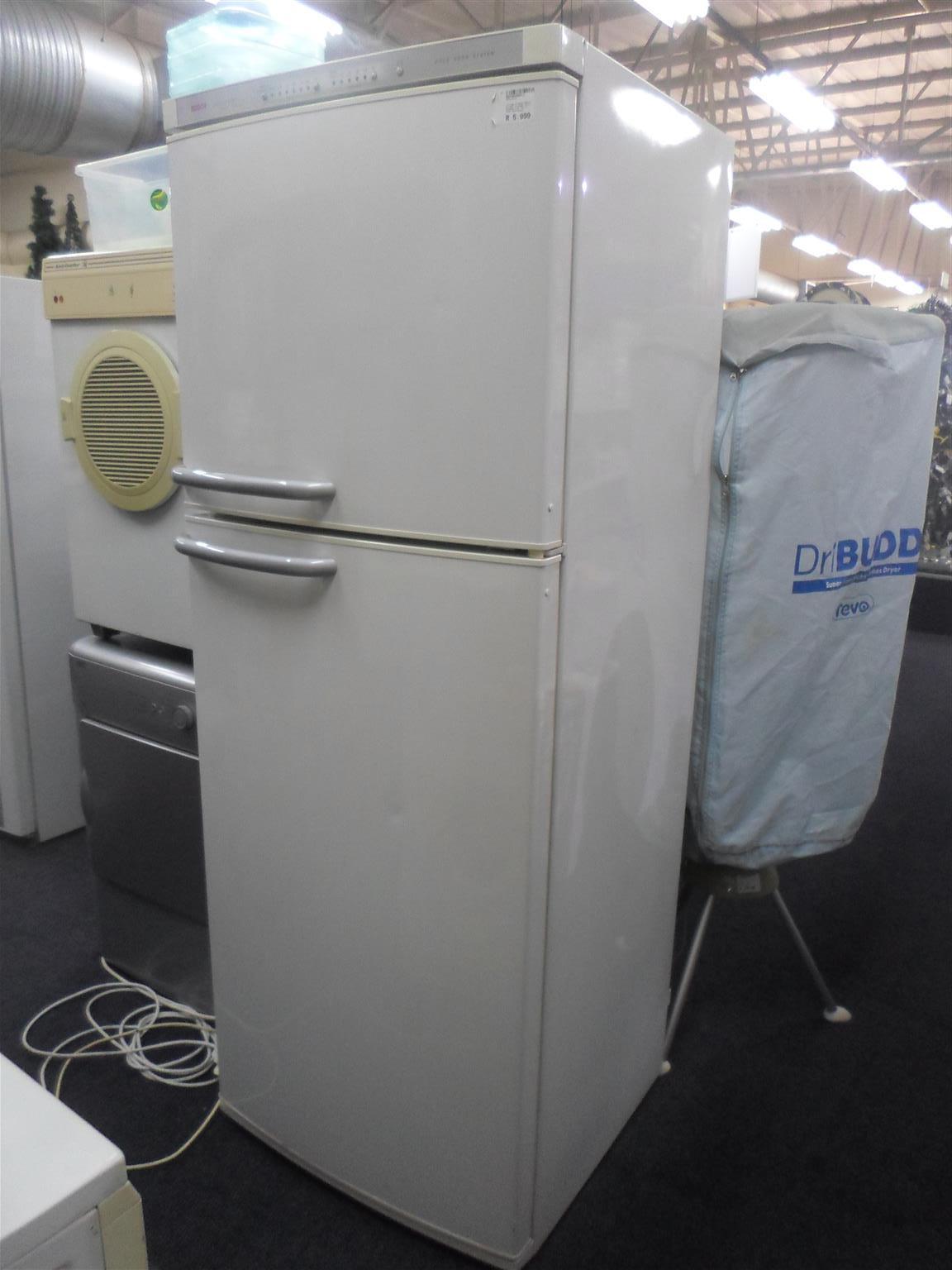 Bosch Intelligent 44 Fridge / Freezer
