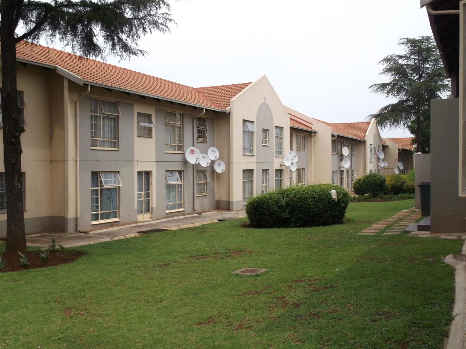 Flat For Sale in DIE HOEWES