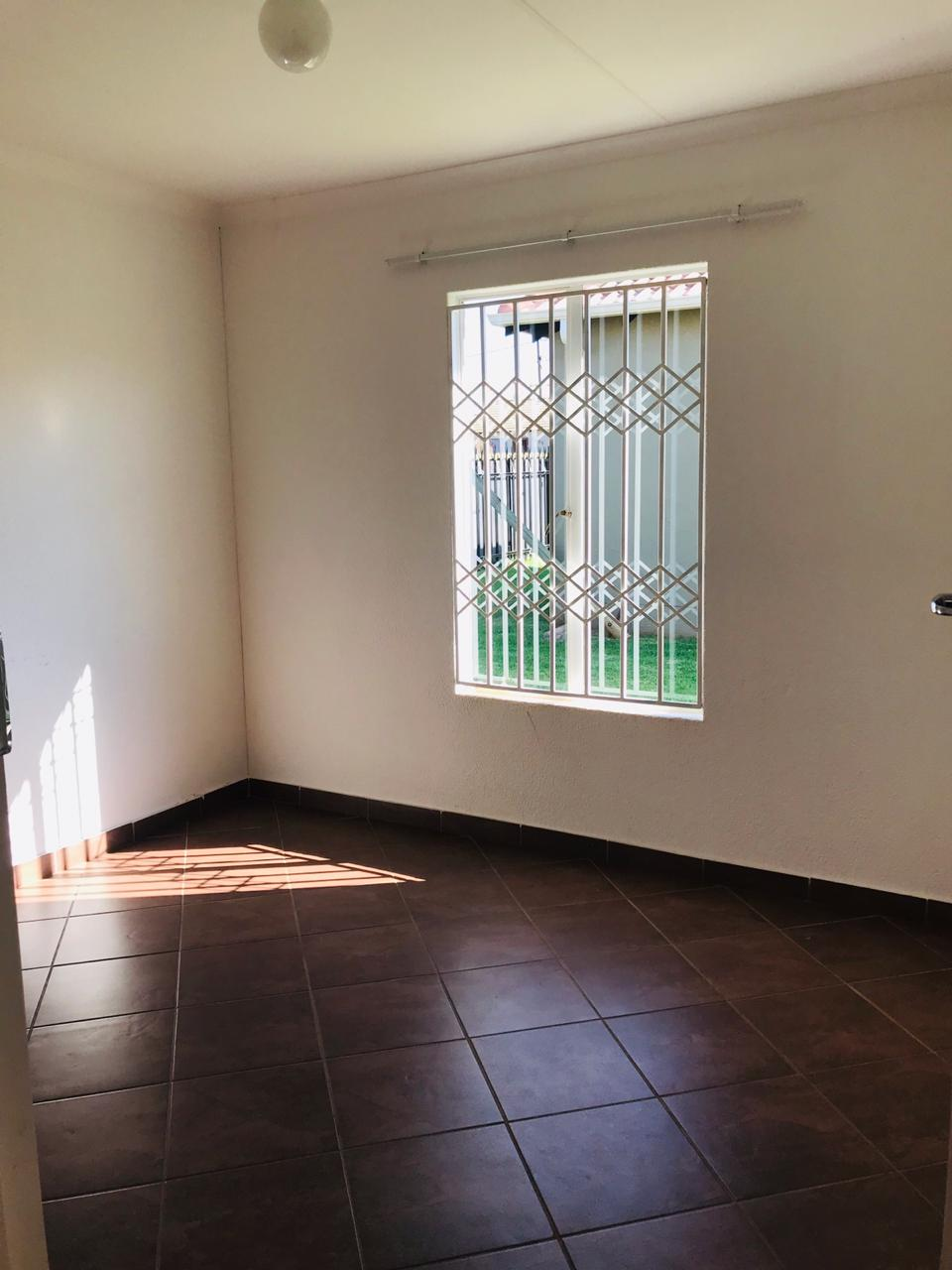 2 bedroom house in Windmill Park