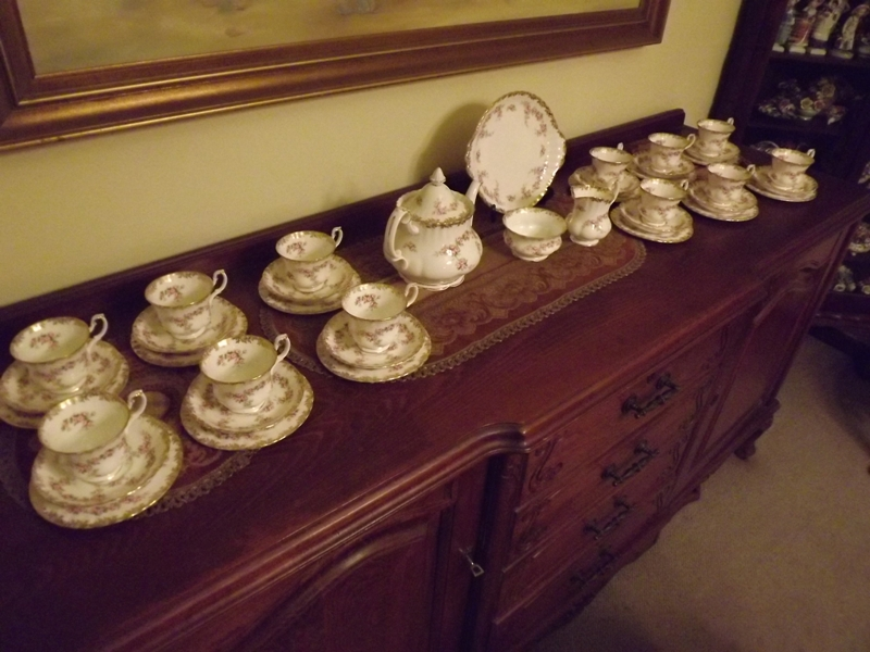 Royal Albert Dimity Rose  dinner service for 12 people.