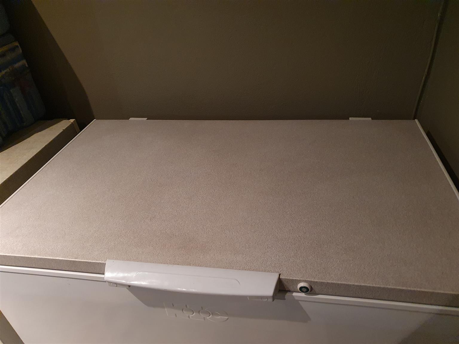 KIC  BOX FREEZER