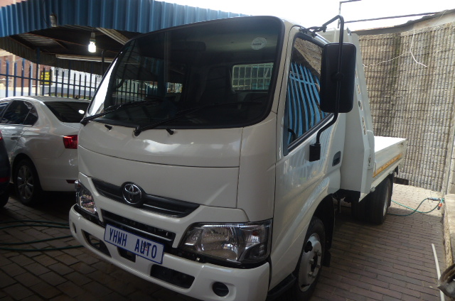 2019 Toyota DYNA150 U600 1.5 Tons 5.0L Dropside Truck Complete with Drop Side Bo