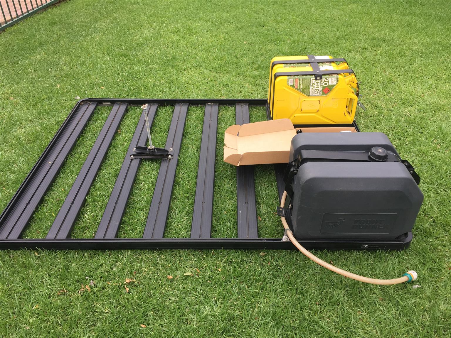 Front Runner Roof Rack And Cardboard Drawer With Fridge